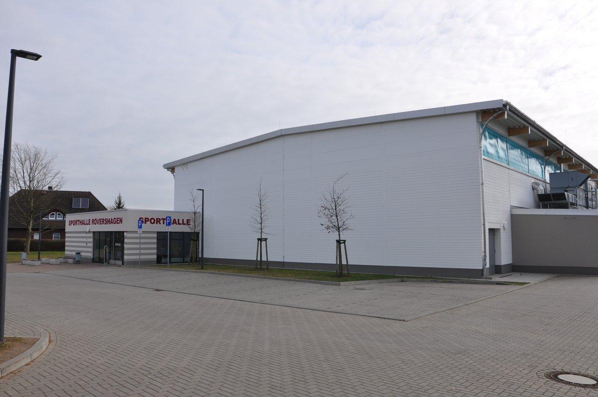 Sporthalle von aussen